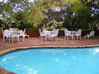 Annie's Cottage with a swimming pool in Springbok
